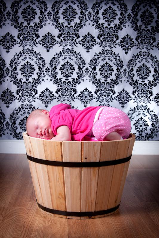 Gwinnett Newborn Portraits, Gwinnett Newborn Photography, Gwinnett photographer joshua grasso newborn shoot of alaina.