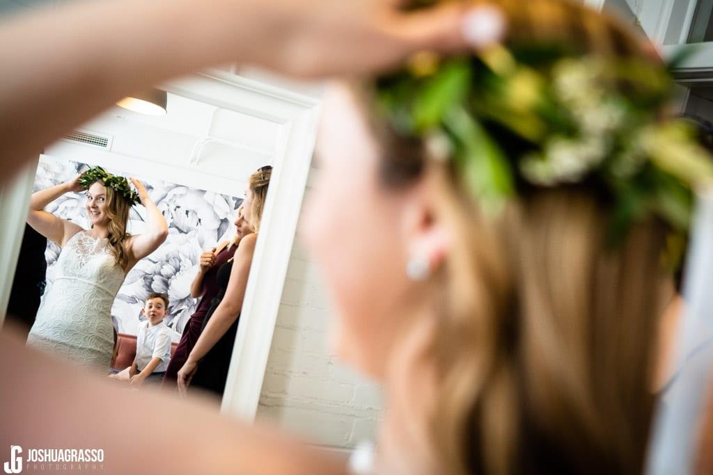bride getting ready at upstairs atlanta