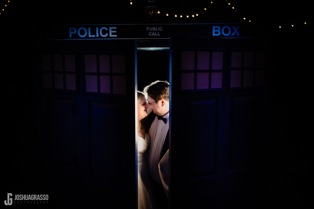 Doctor Who Tardis wedding photo